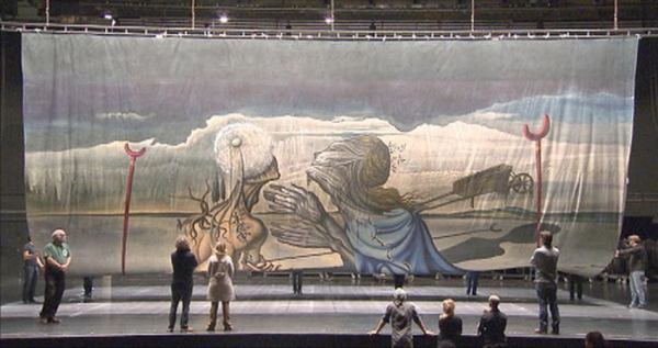 1. Savlador-Dali-backdrop-for-La-Verita