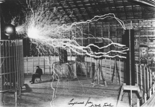 7. radio Tesla
